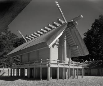 渡辺義雄『内宮正殿北西側全景』1953年〈伊勢神宮〉より
